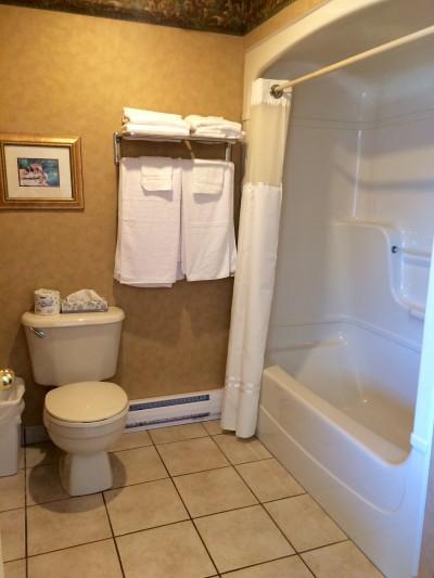 RM12 Bathroom